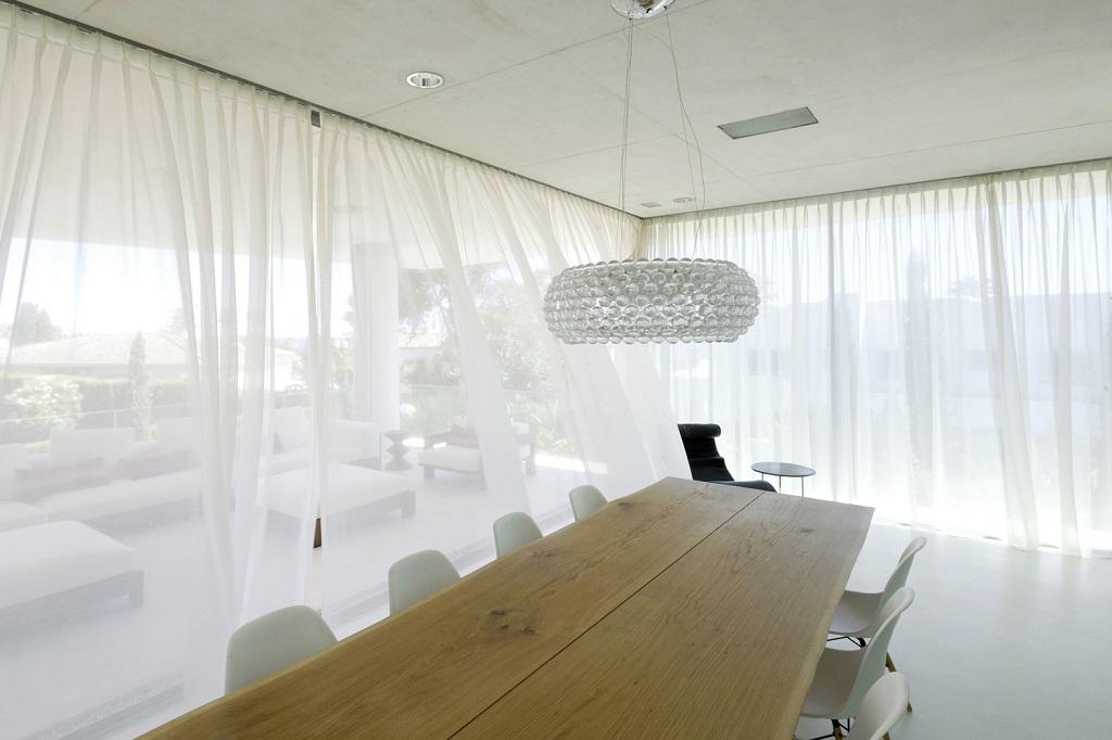 salon96 - Genial casa en Marbella y una espectacular piscina transparente en el techo para disfrutar