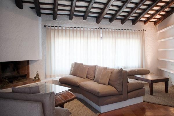 salonychimenea - Piedra, magia e historia en una espectacular casa del siglo XIV en Pals (Girona)