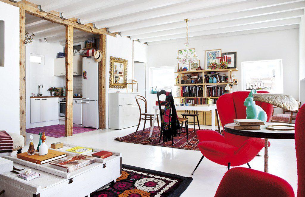 salonycocina 2 1024x661 - Precioso ático con sabor rústico y alma callejera en Lavapiés, Madrid