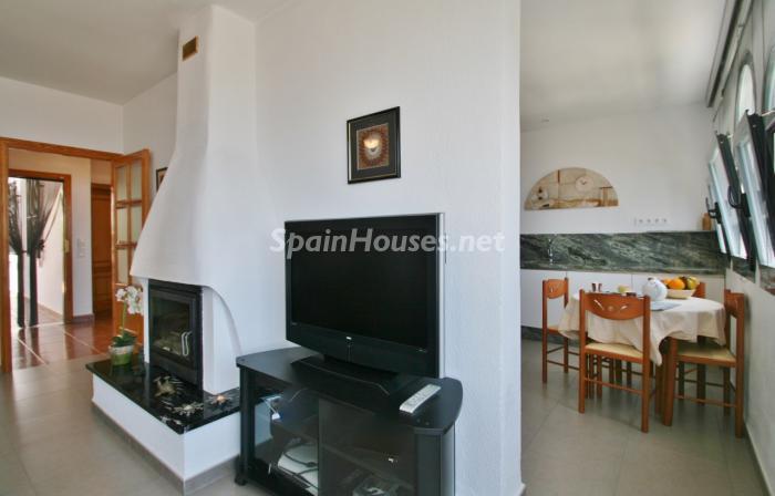 salonycocina3 - Gran chalet de 6 dormitorios con vistas a la Isla de San Andrés, Carboneras (Almería)