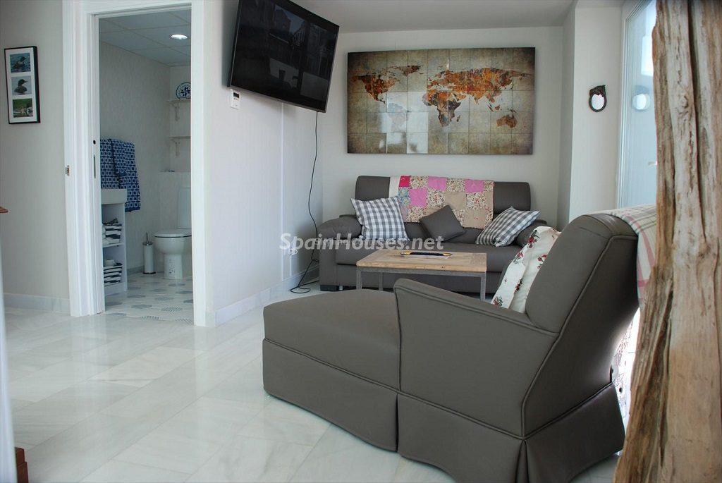 salonydistribucion 1024x685 - Ático en alquiler de vacaciones en Cádiz, ideal para el puente o el carnaval