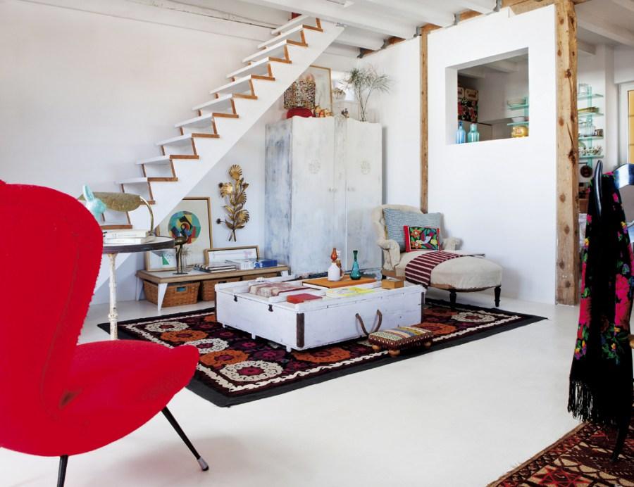 salonyescaleras 2 - Precioso ático con sabor rústico y alma callejera en Lavapiés, Madrid
