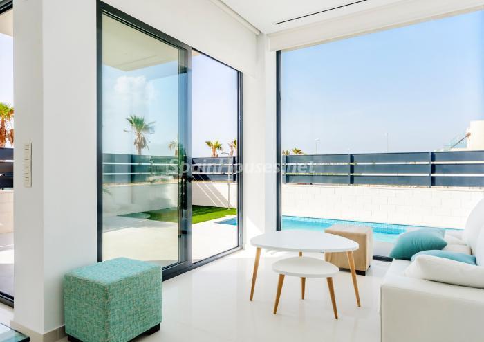 salonypiscina3 - Coqueta y luminosa casa de diseño en Guardamar del Segura (Costa Blanca, Alicante)