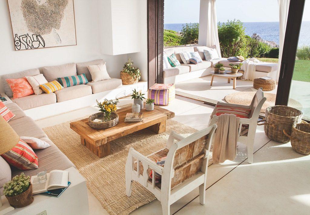 salonyterraza 4 1024x711 - Fantástica casa junto al mar en Menorca (Baleares) abierta al Mediterráneo
