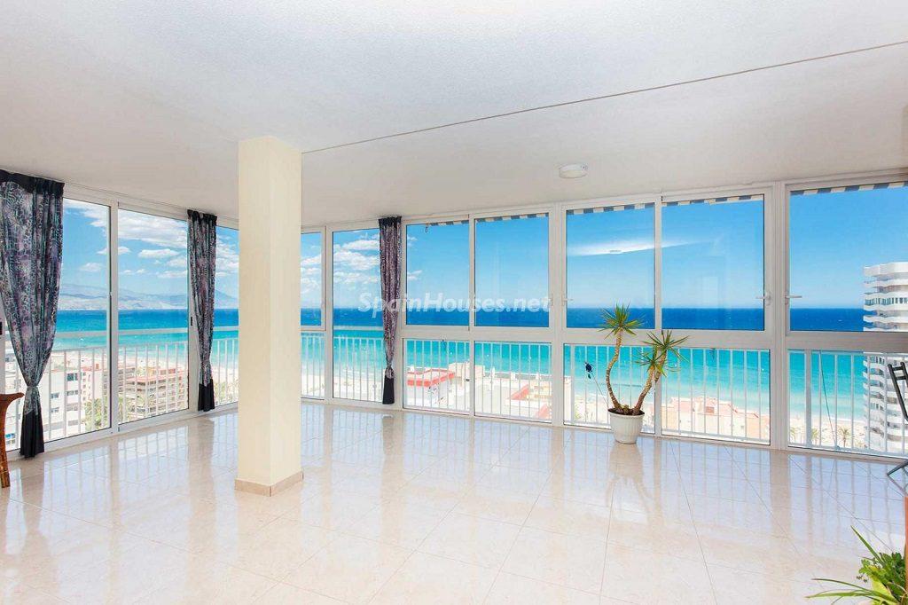 salonyvistas 6 1024x682 - Veranos de luz y vistas al mar en un piso en Playa de San Juan (Alicante)