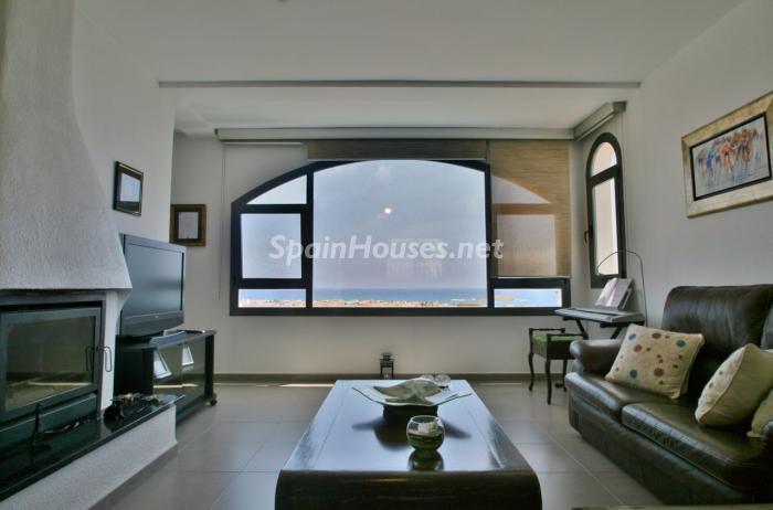 salonyvistas1 - Gran chalet de 6 dormitorios con vistas a la Isla de San Andrés, Carboneras (Almería)