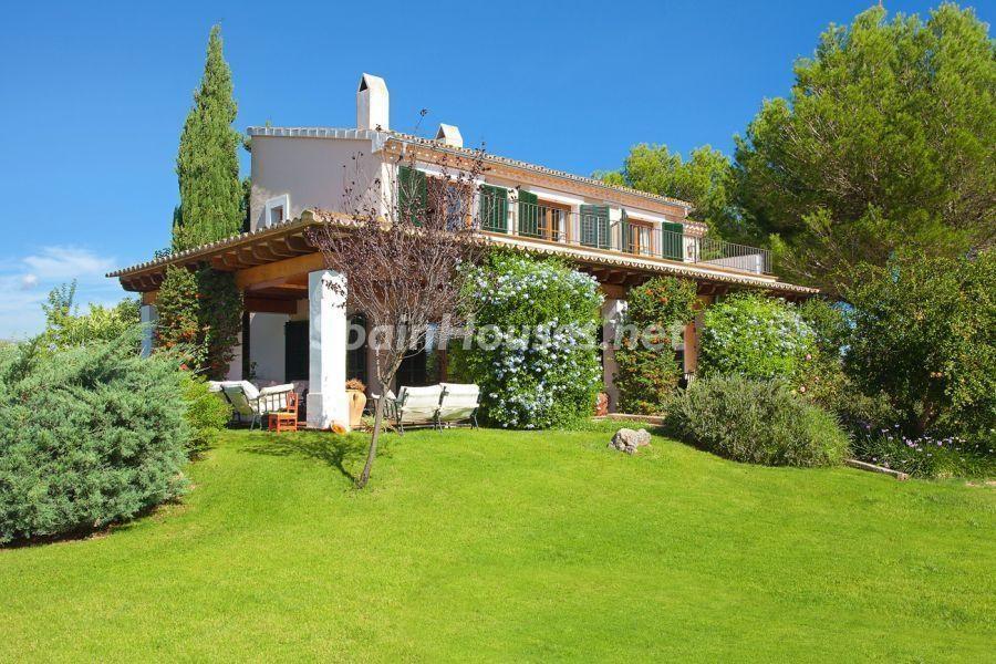 sanantoniodelcami mallorca baleares - De verde y primavera: 18 espectaculares casas con un amplio y soleado jardín
