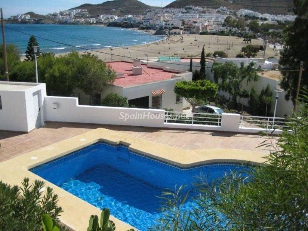 sanjose almeria 1024x768 - Sugerencias refrescantes para el verano: 19 pisos con piscina en la ciudad o junto al mar