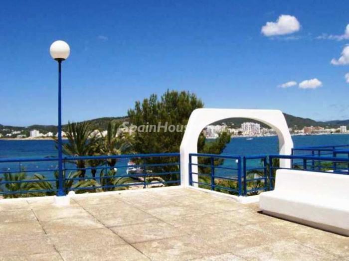 sanjose ibiza - A la caza de gangas: 14 apartamentos baratos en la playa con espectaculares vistas al mar
