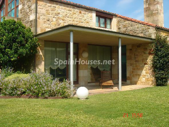 santacruzdebezana cantabria - 22 fantásticas casas de piedra, masías catalanas y villas mallorquinas para enamorar