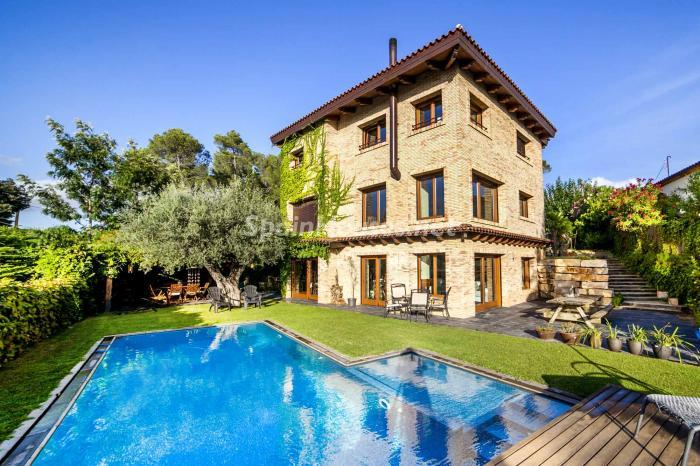 santcugat barcelona - 22 fantásticas casas de piedra, masías catalanas y villas mallorquinas para enamorar