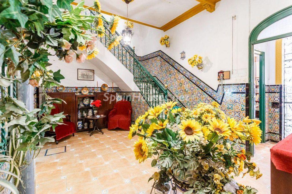 sevilla 5 1024x682 - Patios y rincones con sabor mediterráneo: espacios de luz y primavera