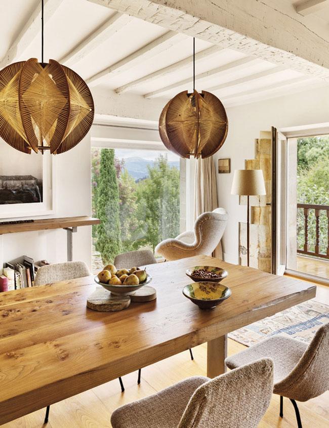 sillon comedor - El reino de lo esencial en una bonita casa en el Valle de Buelna, Cantabria