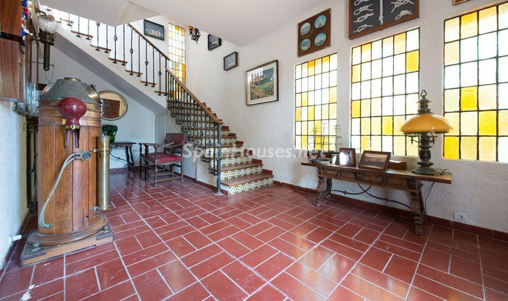 sitges barcelona 4 1024x608 - Rústico y urbano: 11 viviendas con cálidos rincones otoñales de sabor vintage