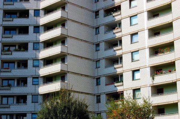 skyscraper 347463 960 720 600x399 - Plan de Vivienda: alquiler de pisos vacíos para personas desahuciadas