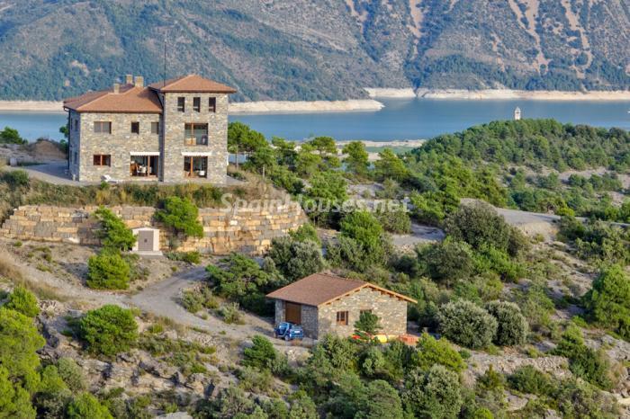 sobrarbe huesca - 22 fantásticas casas de piedra, masías catalanas y villas mallorquinas para enamorar