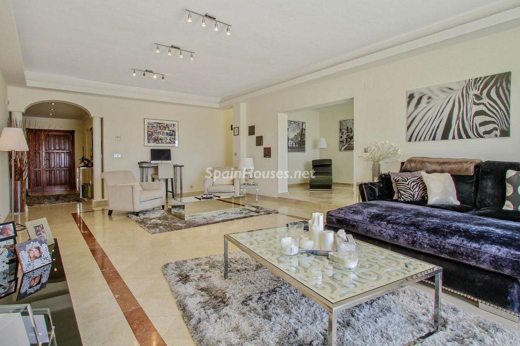 sotogrande cadiz 2 1024x682 - Toque clásico y moderno en 11 cálidos salones de elegante lujo otoñal