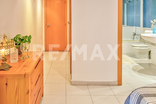suelo y carpinteria ibiza - ¿Sueñas con un piso de lujo en Ibiza junto al mar?