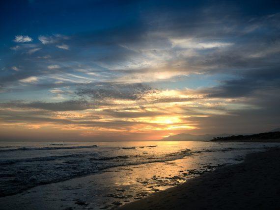 sunset 1711188 960 720 e1504257675712 - Vivir en Málaga: siete razones por las que te mudarías a la Costa del Sol