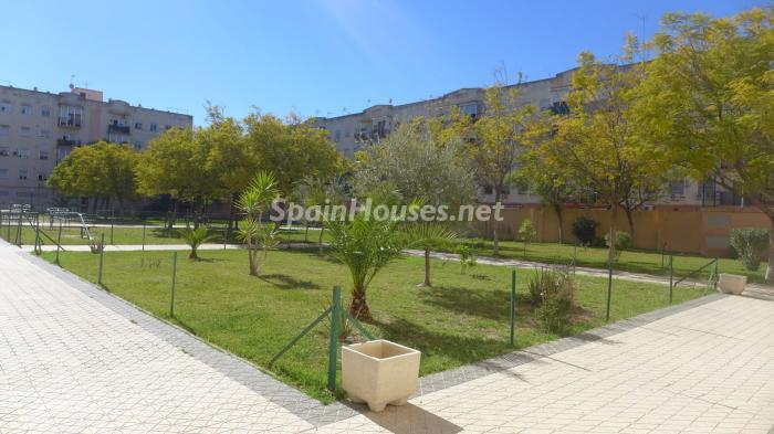 sur sevilla - A la caza de gangas en Sevilla: 18 pisos por menos de 90.000 euros en Macarena, Torreblanca...
