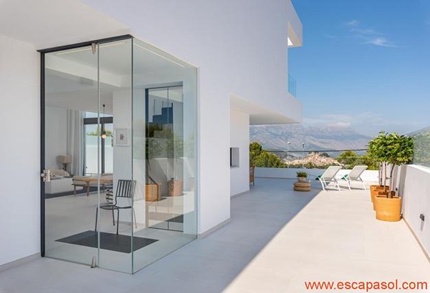 terraza 1 1 - Villa de lujo en Alicante: luminosa y muy espaciosa