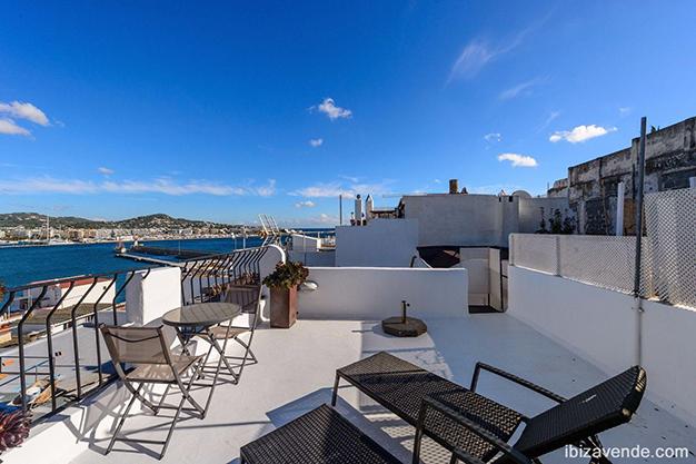 terraza 2 ibiza - Piso frente al puerto en Ibiza: todo el encanto marítimo