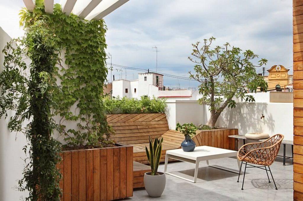 terraza 22 1024x682 - Precioso ático de diseño en Valencia: 70 metros de luz, funcionalidad y encanto