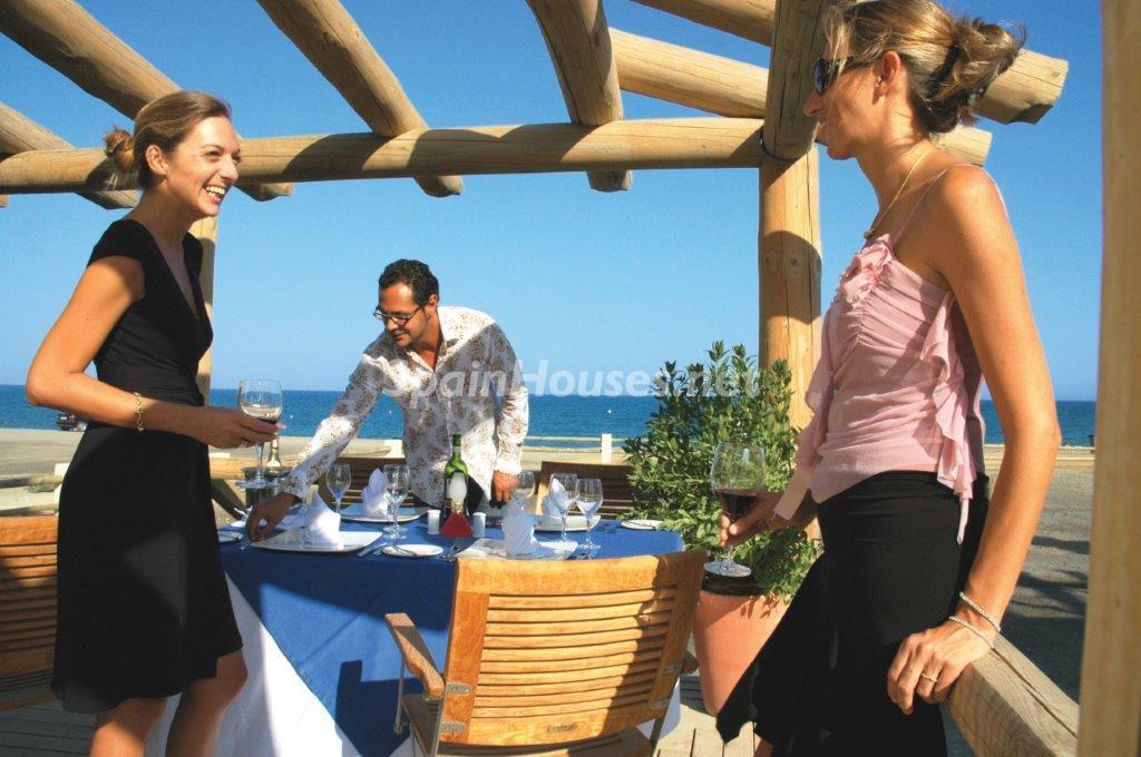 terraza 23 1024x680 - Toque natural y mediterráneo en una preciosa casa en El Playazo de Vera (Almería)