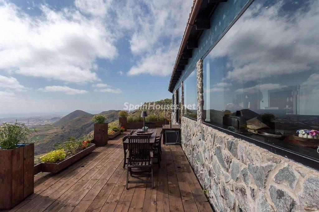terraza 25 1024x682 - Elegante y sereno toque otoñal en una bonita casa en Tafira, Las Palmas de Gran Canaria