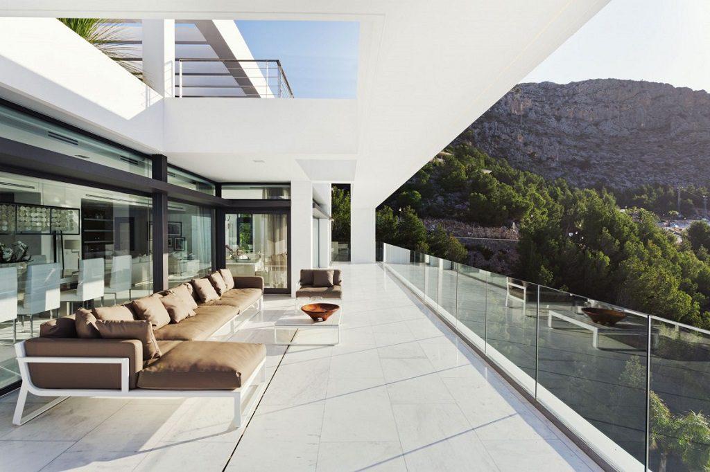 terraza 32 1024x682 - Altea Hills: Villas de diseño mediterráneo con vistas al mar en Costa Blanca (Alicante)
