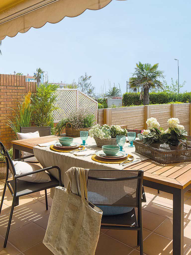 terraza 39 768x1024 - Una casa adosada luminosa y familiar frente al mar en Gavà (Barcelona)