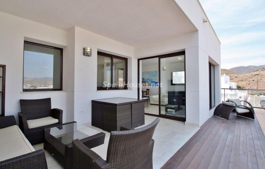 terraza 9 1024x652 - Coqueto chalet a estrenar con bonitas vistas al mar en San José (Cabo de Gata, Almería)