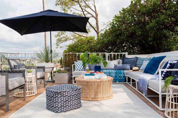 terraza en azotea en tonos azules 1469922 600x399 - La terraza perfecta sin importar el tamaño