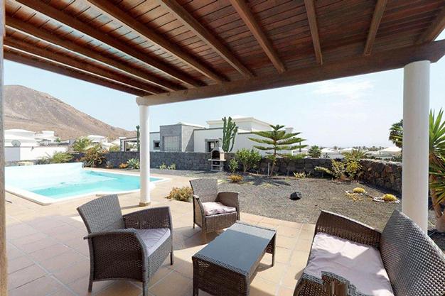 terraza lanzarote 2 - Chalet con piscina en Lanzarote: vistas panorámicas en una isla diferente