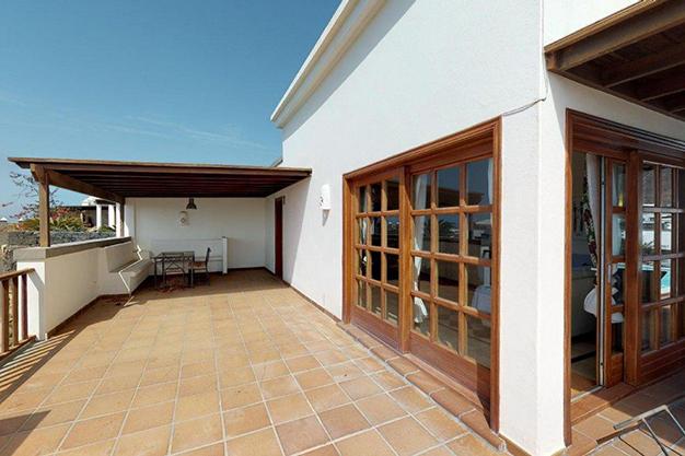 terraza lanzarote - Chalet con piscina en Lanzarote: vistas panorámicas en una isla diferente