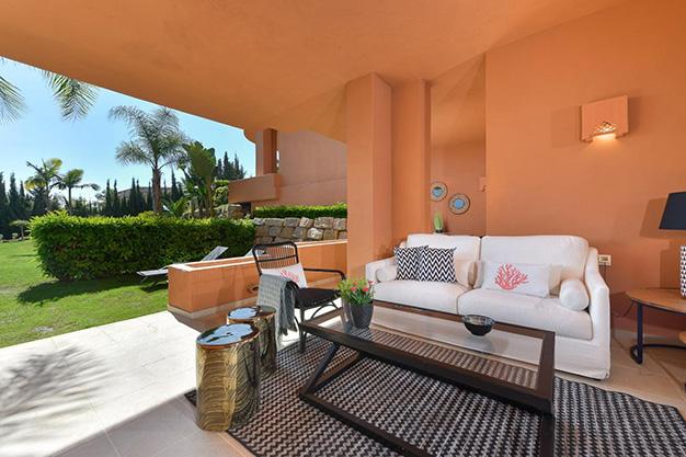 terraza marbella - Este apartamento en venta en Marbella es el hogar perfecto para vivir en un entorno natural único y ser feliz