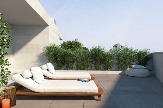 terraza piso lujo barcelona - Este apartamento de lujo en Barcelona lo tiene todo: amplitud, ambientes modernos y terraza privada
