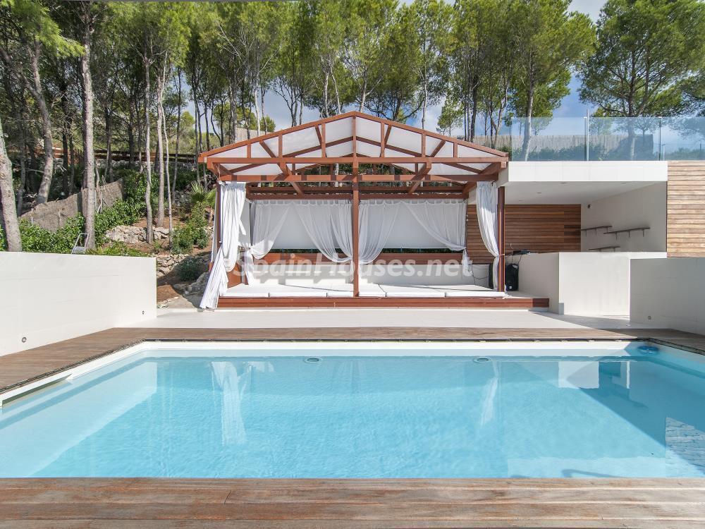 terraza vistaposterior1 - Casa minimalista transparente, diáfana y abierta al mar en Castelldefels (Barcelona)