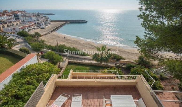 terraza vistas 1 - Luminoso apartamento en primera línea de mar en Roda de Barà (Costa Dorada, Tarragona)
