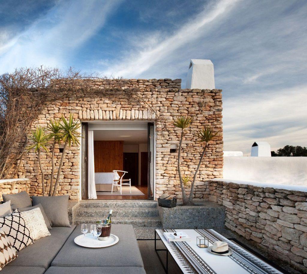 terraza1 15 1024x914 - Casa rústica y moderna en Ibiza (Baleares): diseño mediterráneo que enamora