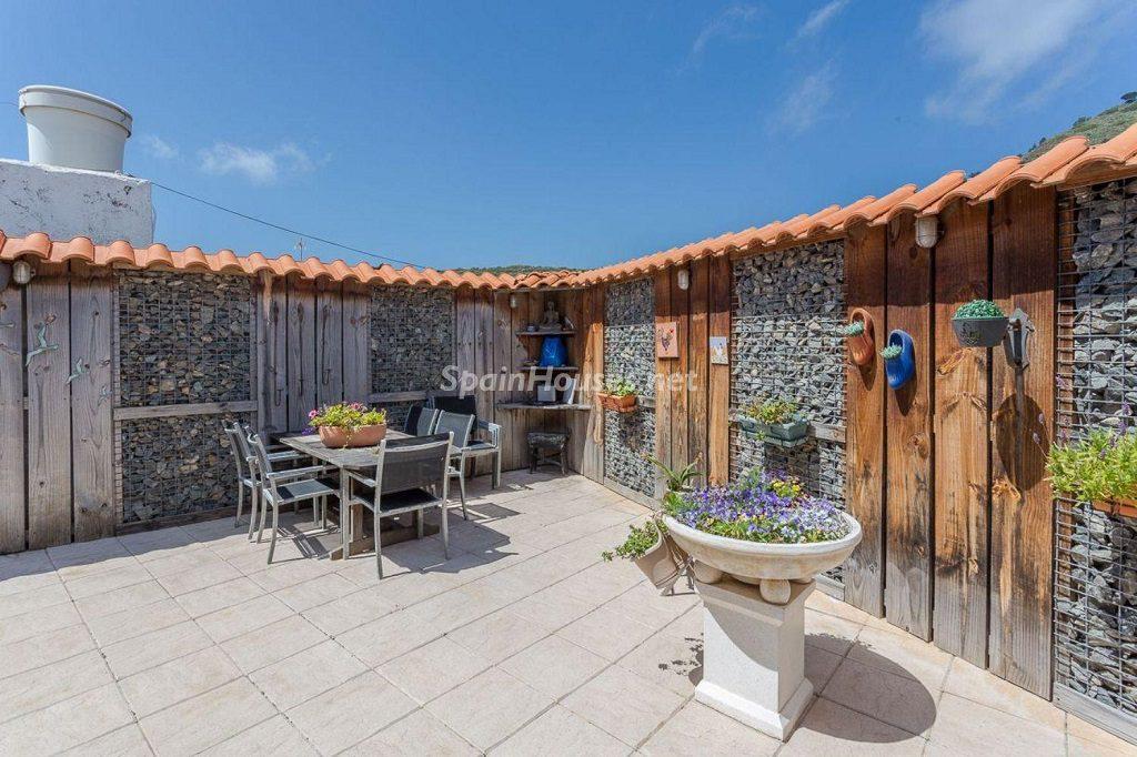 terraza1 8 1024x682 - Elegante y sereno toque otoñal en una bonita casa en Tafira, Las Palmas de Gran Canaria