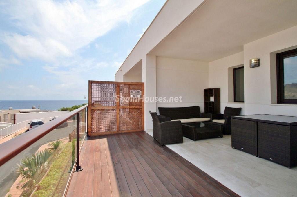 terraza2 3 1024x679 - Coqueto chalet a estrenar con bonitas vistas al mar en San José (Cabo de Gata, Almería)