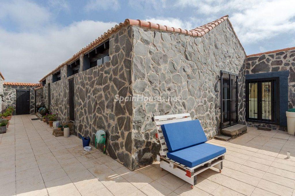 terraza2 5 1024x682 - Elegante y sereno toque otoñal en una bonita casa en Tafira, Las Palmas de Gran Canaria