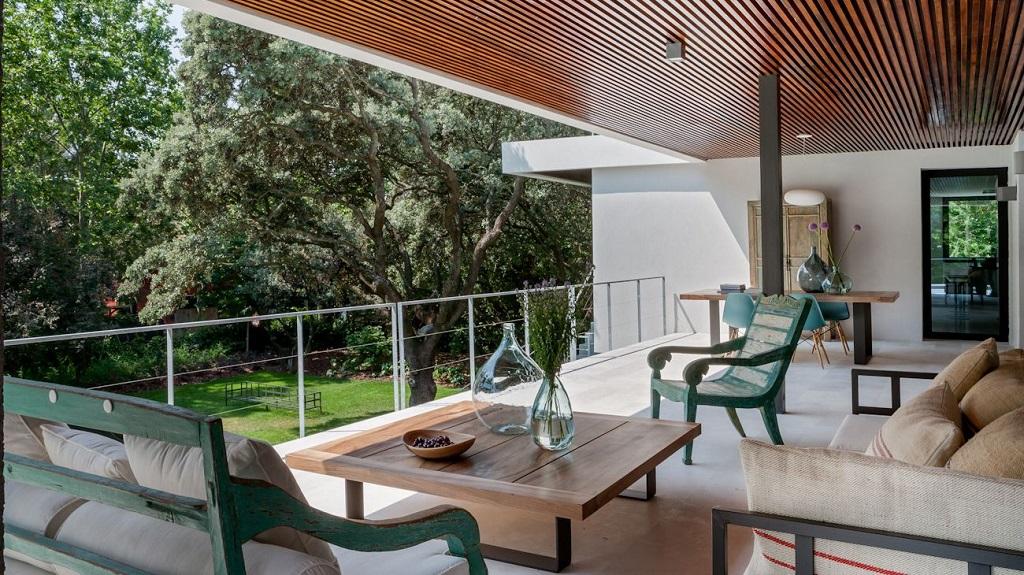 terraza215 - Genial toque otoñal y minimalista en una fantástica casa en La Moraleja (Alcobendas, Madrid)