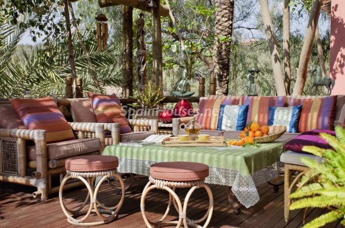 terraza26 - Genial villa de vacaciones en El Rosario, Marbella, con una preciosa decoración oriental