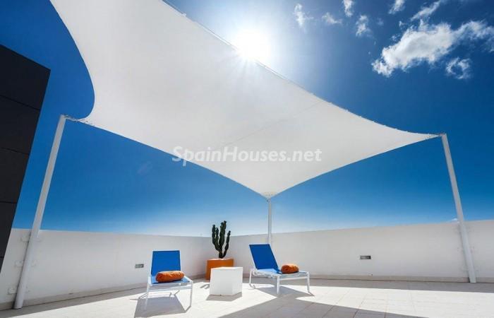 terraza29 - Fantástico ático de vacaciones en Playa D'en Bossa, Ibiza (Baleares)