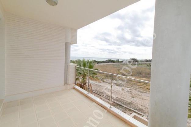 terraza3 7 - La casa de tus sueños es este chalet de lujo en Alicante situado junto al mar