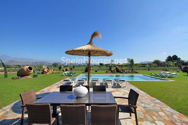 terraza33 - Vacaciones de lujo en una espectacular villa en Pollensa, Mallorca