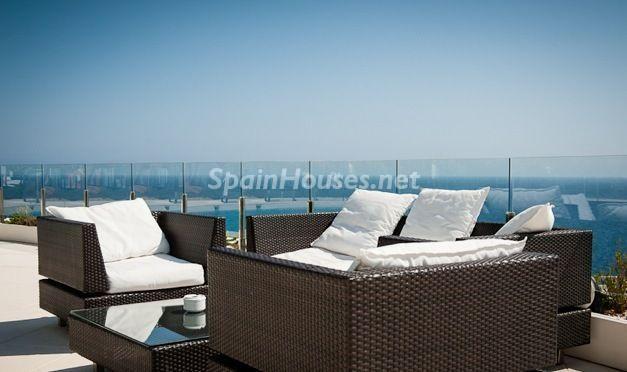 terraza4 - Casa de la Semana: Espectacular villa de diseño en Benidorm, Costa Blanca