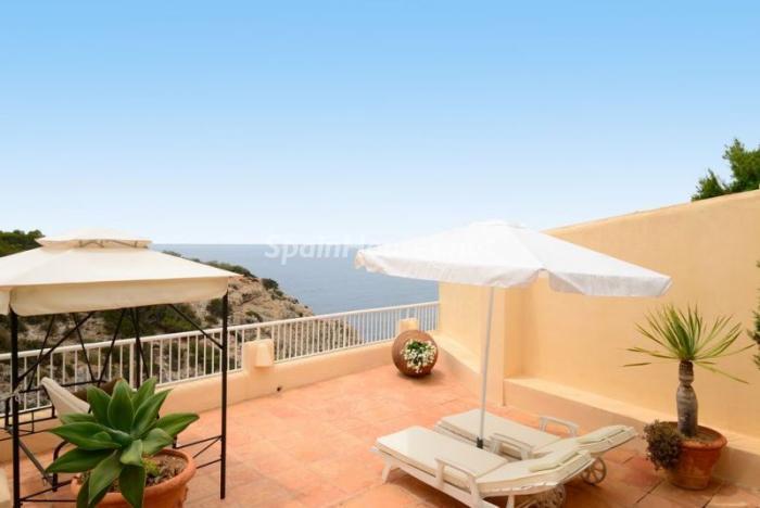 terraza48 - Serena y romántica villa en primera línea de mar en Cala Vadella, Ibiza